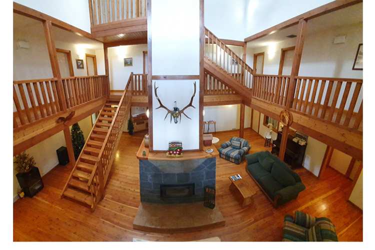 Our-10-room-Main-Lodge